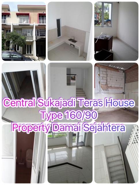 Central Sukajadi Terrace House